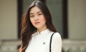Hội hot girl THPT Phan Đình Phùng: Người là á hậu, kẻ làm mẹ bỉm sữa