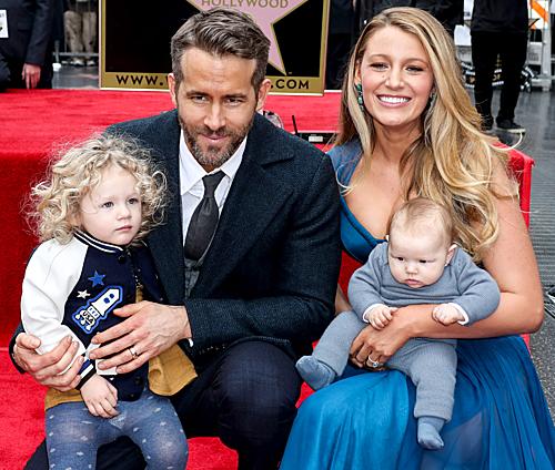 Gia đình Ryan Reynolds tại Đại lộ Danh vọng 2016.
