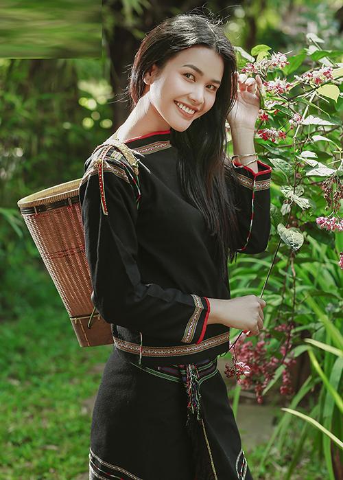 Trước cuộc thi này, nhan sắc người Ê đê từng được khán giả biết đến khi tham gia The Face 2018 và ghi danh Hoa hậu Bản sắc Việt Toàn cầu 2019.