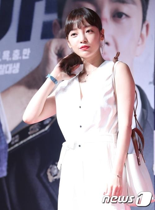 Vị trí cuối cùng thuộc về cựu thành viên KARA Goo Hara. Ở thời kỳ đỉnh cao (2007-2012), Goo Hara là một trong những nữ idol nổi tiếng nhất Kpop thế hệ 2.