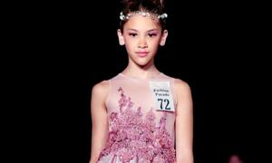 Mẫu nhí gốc Việt xinh đẹp trên sàn diễn thời trang Mỹ