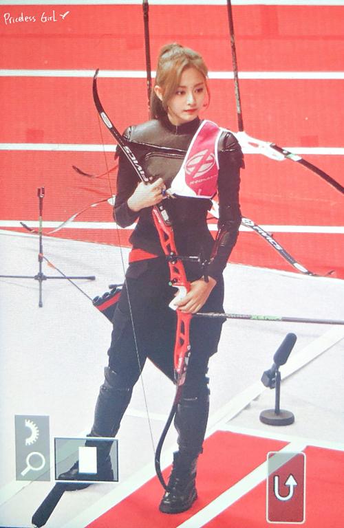 Ngày 12/8, tại buổi ghi hình cho đại hội thể thao idol ISAC Trung thu 2019, Tzuyu là một trong ba thành viên đại diện Twice dự thi môn bắn cung.