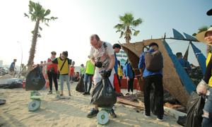Hơn 300 tình nguyện viên nhặt rác trên biển Hạ Long