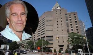 Giám đốc nhà tù nơi Epstein tự tử bị điều chuyển công tác