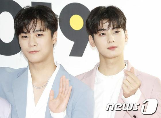 Moon Bin (ảnh trái) hiệnxuất hiện trong drama học đường Khoảnh khắc tuổi 18 cùng Ong Seong Woo. Cha Eun Woo đảm nhận vai chính trong  Nhà sử học Goo Hae Ryung.