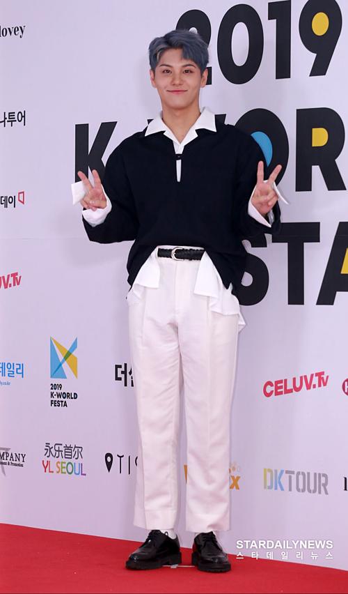 Park Yong Ju (nghệ danh Yongzoo).