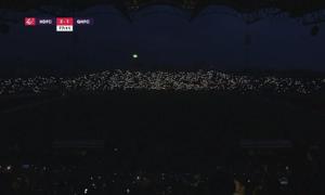 SVĐ Thiên Trường biến thành đêm 'concert' do sự cố mất điện