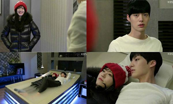 Cảnh giường chiếu của hai nhân vật trong phim cũng đáng yêu. Vì Park Ji Sang là ma cà rồng, anh phải ngủ trên chiếc giường băng. Cô bạn gái Yoo Ri Tae mặc quần áo ấm để sẵn sàng chia sẻ từng khoảnh khắc thân mật trên giường với anh như thế này.