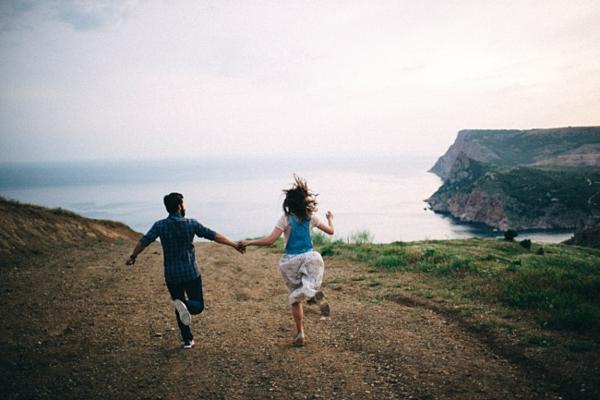 Tại sao các cặp hạnh phúc không nói về nhau trên mạng xã hội? - 3
