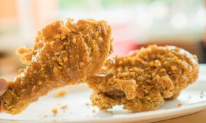 Công thức '4 chuẩn' làm nên món gà rán Popeyes