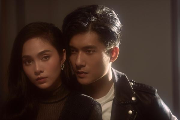 Lưu Hiền Trinh kể chuyện tình buồn trong MV.