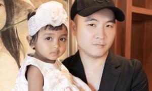 Con gái nuôi 3 tuổi của Đỗ Mạnh Cường được nhận xét giống H'Hen Niê