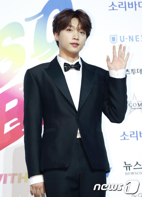 Jeong Se Woon cũng là idol xuất thân từ show Produce 101, có sự nghiệp solo ấn tượng.