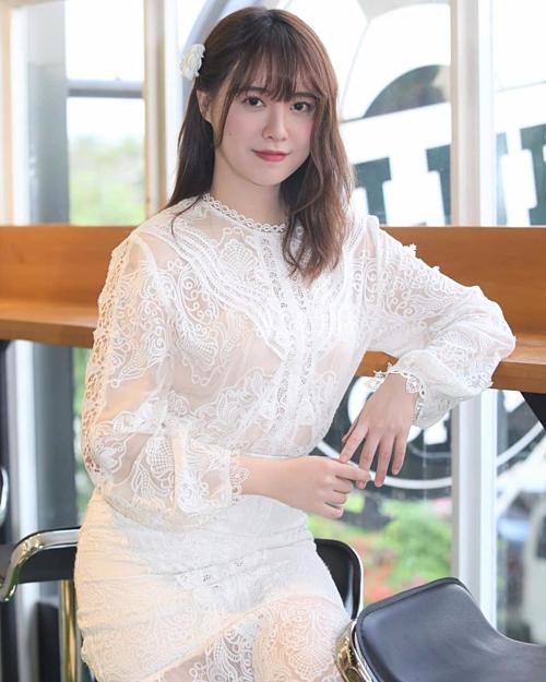 Những lần mặc đồ trắng, Goo Hye Sun đều được khen trẻ trung, xinh đẹp.