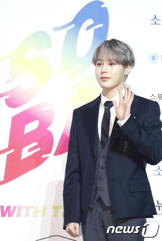 Cựu thành viên Wanna One Ha Seung Woo có sự nghiệp solo thành công.