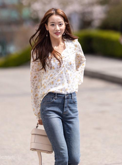 Naeun (April) cũng lựa chọn