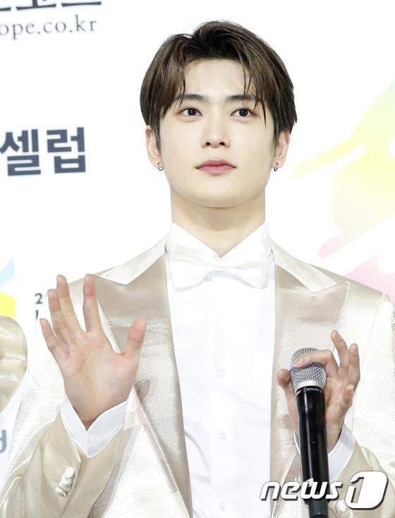 Jae Hyun nổi tiếng với hình tượng con nhà người ta khi đẹp trai, tài năng và có nhân cách vàng.