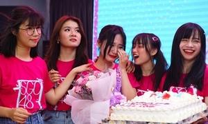 SGO48 'choáng' vì bị vây kín trong lần đầu tổ chức fan meeting