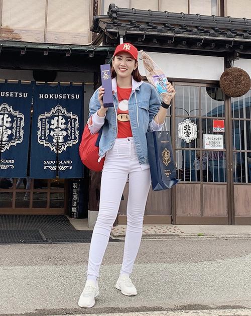 Thúy Ngân ghé thăm xưởng rượu Hokusetsu Shuzo có tuổi đời 150 năm, chuyên sản xuất rượu cho chuỗi nhà hàng cao cấp Nobu, danh giá nhất thế giới, của diễn viên Robert De Niro. Tại đây, cô được trải nghiệm nhiều hoạt động thú vị: làm rượu, đánh cá bằng thuyền taira...