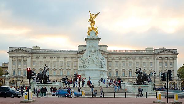 Bạn có biết 7 cung điện xa hoa bậc nhất thế giới? - 1