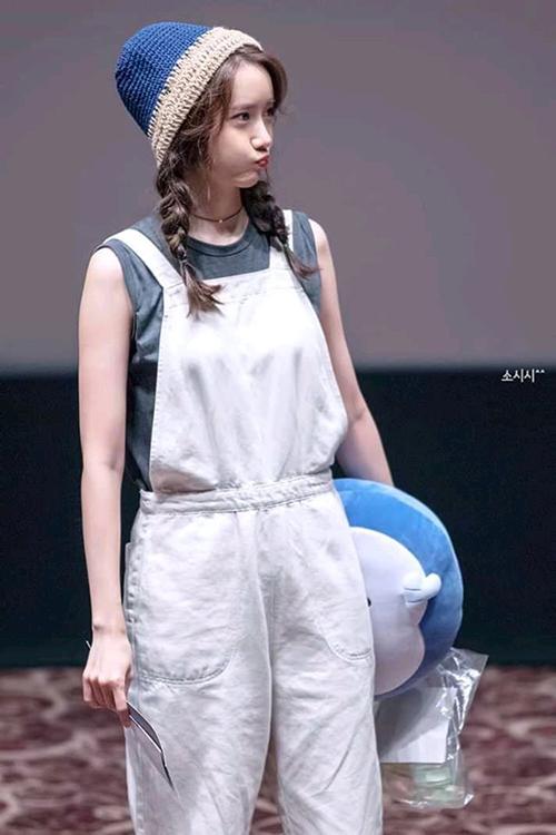3 kiểu đồ yêu thích giúp Yoona hack tuổi