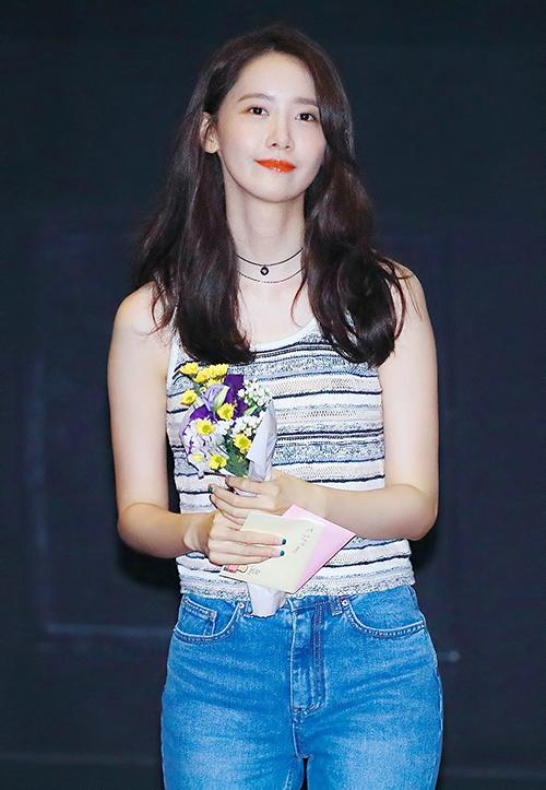 3 kiểu đồ yêu thích giúp Yoona hack tuổi - 5
