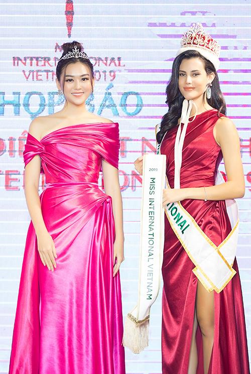 Miss Internatinonl 2018 - Mariem Velazcosang tận Việt Nam để trao sash.
