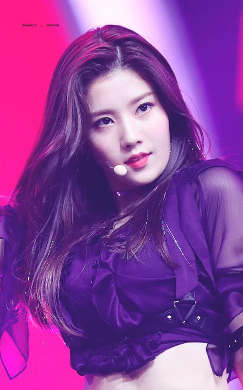 Kwon Eun Bi có ngoại hình nữ tính, nhẹ nhàng và là vũ công xuất sắc của IZONE. Nữ idol sinh ngày 27/9.