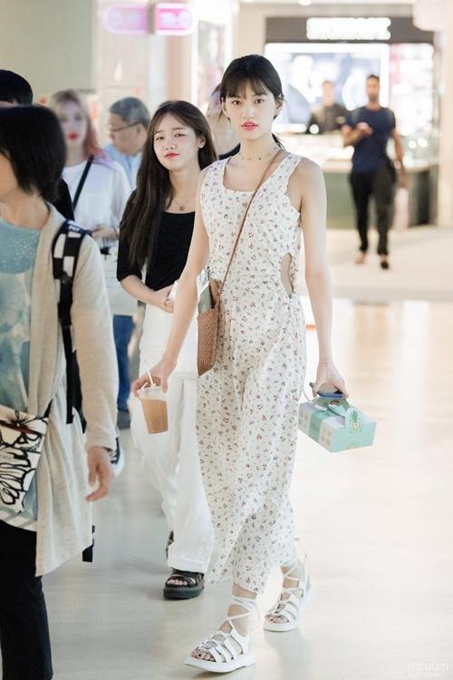 Trang phục hàng ngày của idol có khí chất thời trang nhất Kpop - 6