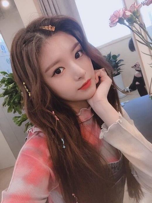 Những bức ảnh selfie ngoài đời của Yi Ren luôn nhận nhiều lượt like và bình luận nhất nhóm.