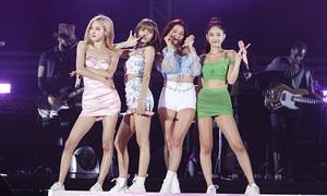 Stylist của Black Pink bị chỉ trích vì quá ưu ái Jennie