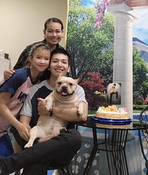 Kelvin Khánh đón sinh nhật nhỏ nhưng ấm áp bên bà xã Khởi My.