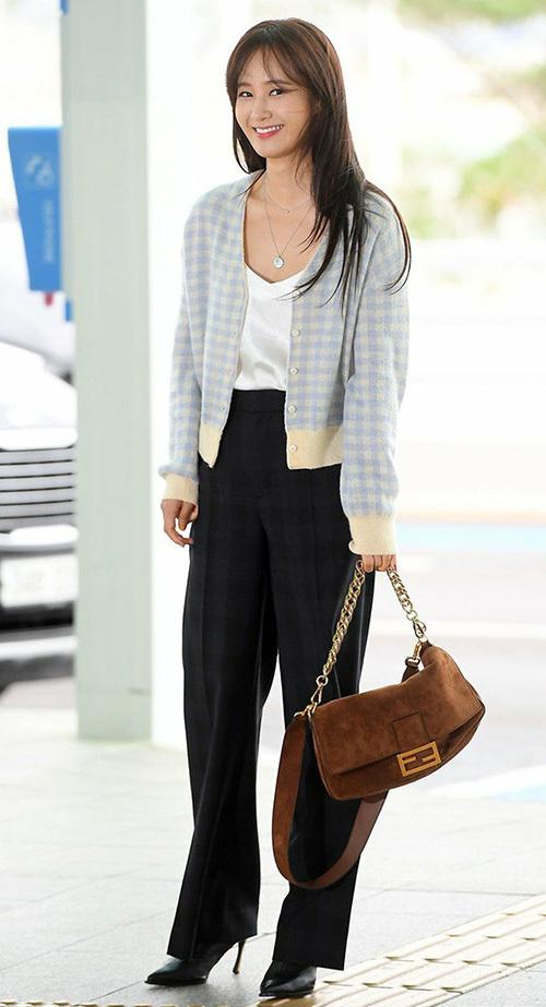 Yuri (SNSD) lên đường sang Thái sau một thời gianở ẩnkhá dài.