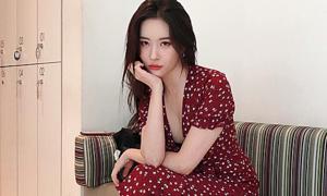 Sun Mi vẫn sang dù diện nhiều kiểu đầm sến sẩm
