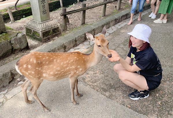 Thúy Ngân như hồi teen trong chuyến công tác kèm du lịch Nhật Bản.