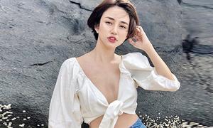 Áo buộc vạt 'chỉ đủ che vòng một' được sao Việt yêu thích