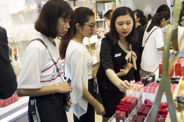 AAU Cosmetic ưu đãi sản phẩm làm đẹp - 5