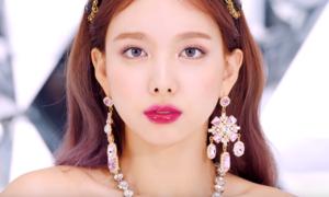 Na Yeon (Twice) kém sắc trong teaser comeback