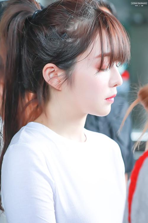 Tzuyu - Irene gây náo loạn sân bay vì kiểu tóc mới - 3