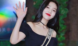 Chiếc croptop 'đi đâu cũng gặp' trong showbiz Hàn