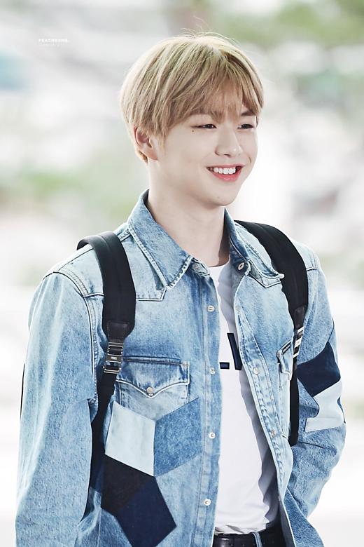 Kang Daniel có xứng đáng với ngôi vị idol đẹp trai nhất?