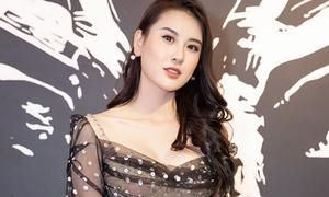Hà Lade bị chê vì váy 'hở trên hở dưới'