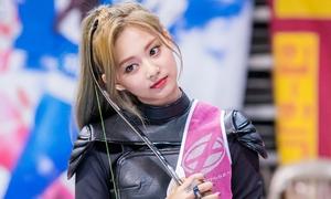 Tzuyu (Twice) đẹp như 'nữ thần' tại ISAC Trung thu 2019