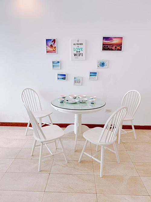 Bộ bàn ăn phù hợp với căn hộ có diện tích nhỏ.