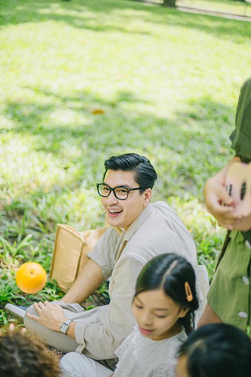 Ca khúc Tí hon mộng mơ trong MV cùng tên của Quang Đại do nhạc sĩ Đoàn Minh Quân sáng tác.