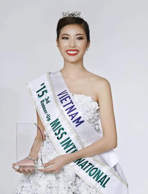 Thúy Vân sinh năm 1993, cao 1,72 m, nặng 54 kg và có số đo 82-60-90 cm. Đăng quang Á khôi 1 Hoa khôi Áo dài Việt Nam 2014, Thúy Vân được cử đi thi Hoa hậu Quốc tế 2015 và trở thành Á hậu 3.