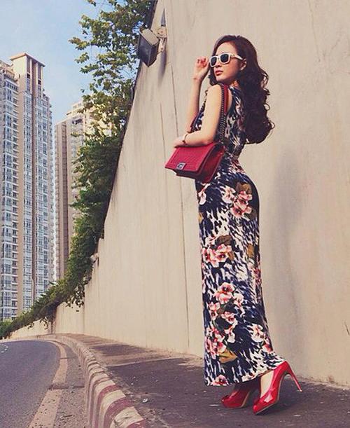 Angela Phương Trinh từng phải công khai hóa đơn mua hàng kèm lời giải thích: Thanh giả tự thanh khi bị nghi dùng túi Chanel nhái.