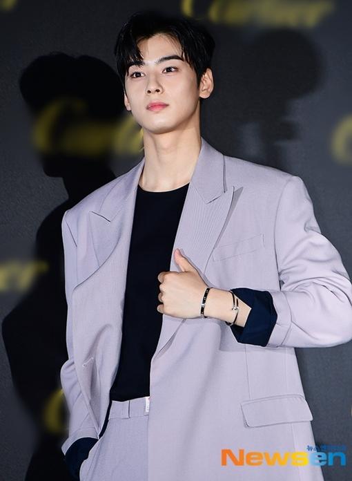 Ji Soo, Kang Daniel gây sốt khi xuất hiện tại sự kiện - 6