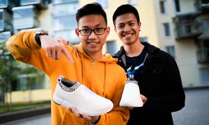 Du học sinh Việt sản xuất giày không thấm nước từ bã cà phê