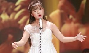 'Thần đồng bolero' Khánh An hát tặng mẹ ung thư
